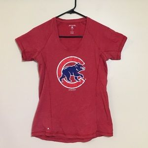 Red Chicago Cubs fitted t-shirt